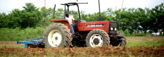 2016-04-20-1461183863-1630316-farmerfarmingNigeriaTDCccr290.jpg